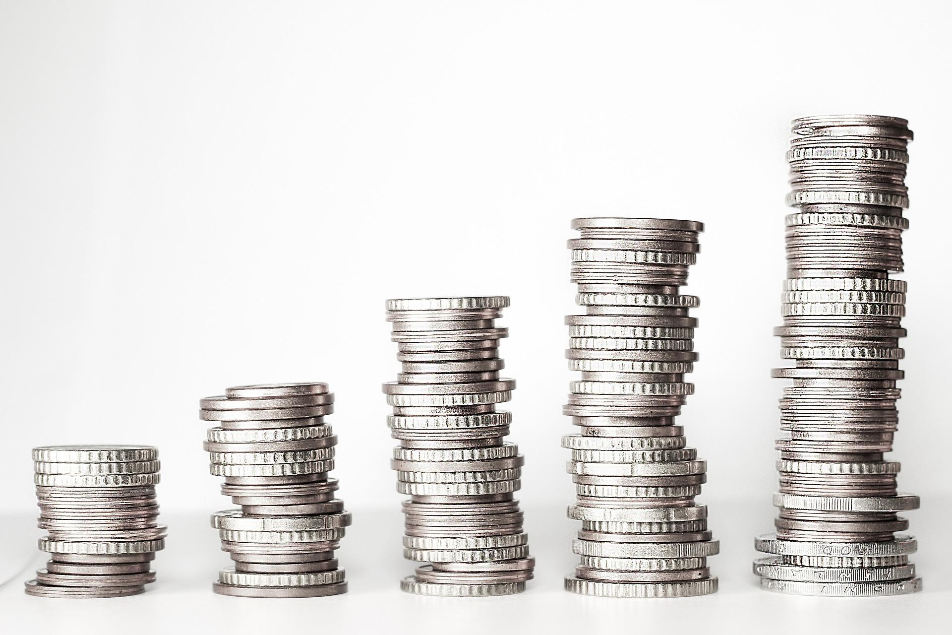 Jaká jsou pravidla pro rozdělování a výplatu podílu na zisku po novele ZOK?